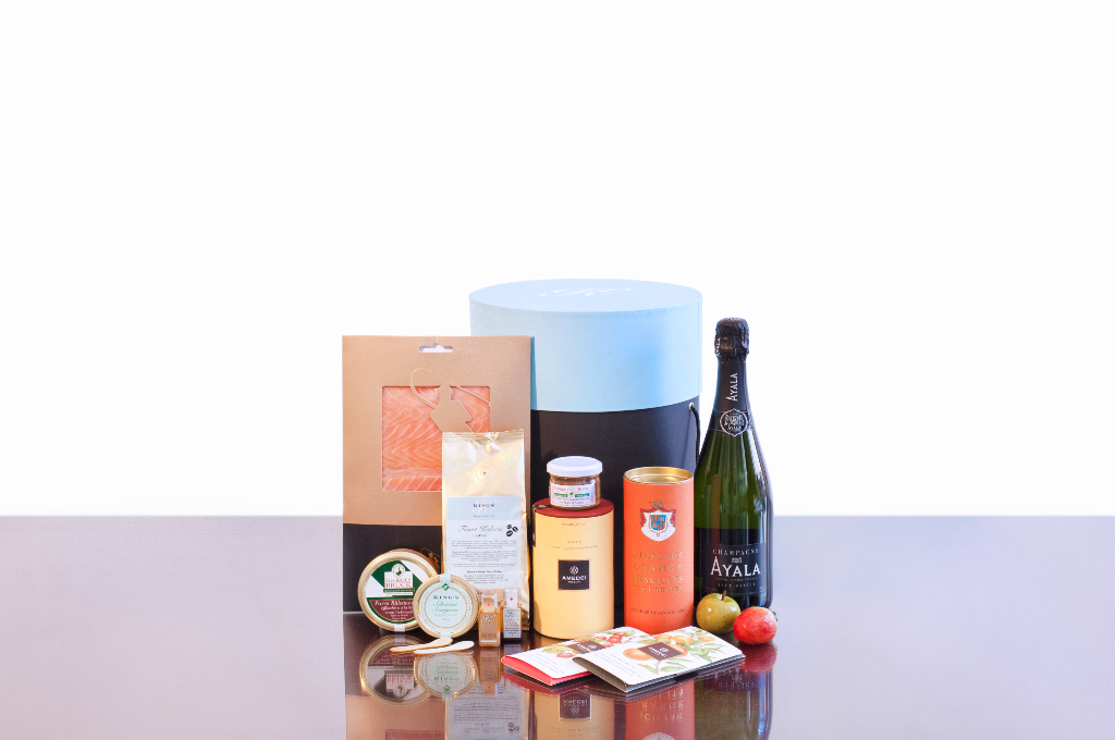 Planning a Picnic? Check Out These Luxury Hampers - Listique Online